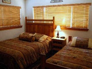 2 Bedroom, 2 Bathroom House in Breckenridge  (08A) - Breckenridge vacation rentals