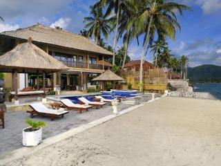 Villa Talia Vashti -Oceanfront Villa with Own Pool - Jimbaran vacation rentals