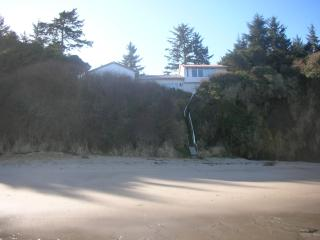 Vacation Home at Lighthouse Beach - Coos Bay vacation rentals