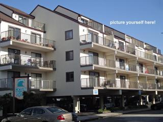 2 LVL, 3 BR Condo w/ Pool. 1 Block to Ocean Beach! - Ocean City vacation rentals