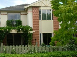 The Perfect B&B Base to Explore Sydney From - Sydney vacation rentals