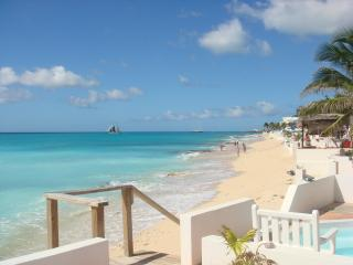 3 bdrm 3 bath Villa on the beach in st. maarten - Pelican Key vacation rentals