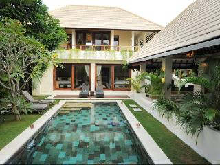 Beautiful Lane Villa, Central Seminyak! 3 or 4BR - Seminyak vacation rentals