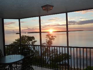 Bay View Tower #232 - Sanibel Harbour Resort - Fort Myers vacation rentals