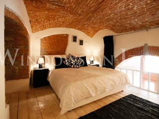 Oltrarno Loft - Windows on Italy - Florence vacation rentals