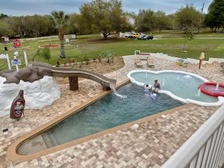 The Sweet Escape - 10 Bedrooms on 5 Acres! - Clermont vacation rentals