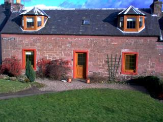 3 bedroom cottage in rural Perthshire, Scotland - Alyth vacation rentals