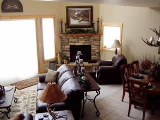 Golf , Pool, River on Golf Course with Membership - South Fork vacation rentals