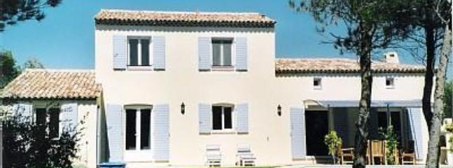 Villa from back garden - Luxury villa within Golf and Country Club. - Bouches-du-Rhone - rentals