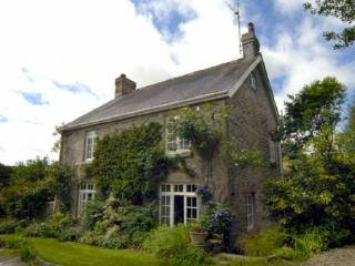 Pet Friendly Holiday Cottage - Lordship Farmhouse, Wolfs Castle - Pembrokeshire vacation rentals