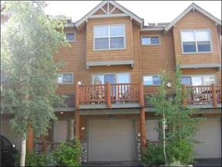Behind Hideaway Park - Easy Access to Restaurants and Shopping (5020) - Winter Park vacation rentals