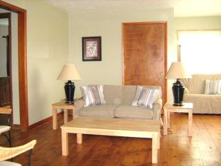 Family cottage at the Lake, Port Clinton Ohio - Ohio vacation rentals