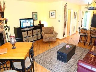 Eclectic Mountian Condo Minutes From Snowbasin And Powder Mountain - Eden vacation rentals