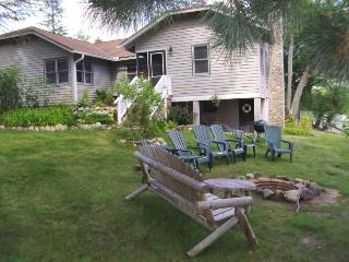 Panoramic lakefront views Large 3bdr. 2 ba. Lodge - Wisconsin vacation rentals