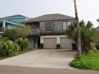 Blue Moon Luxurious BeachHouse sleeps 12 - South Padre Island vacation rentals