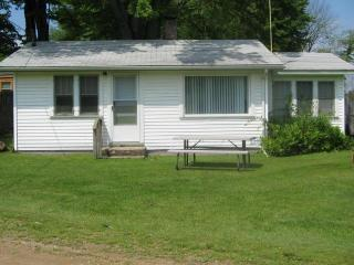 Weekly Vacation Cottage Rental on the lake - Jones vacation rentals