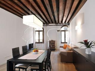 The Julian's APT1 - Venice vacation rentals