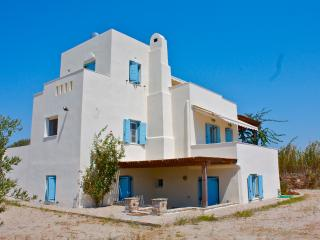 Seaside Villa , at Plaka beach, Naxos Island - Naxos vacation rentals