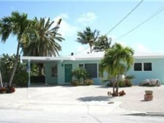 Benz's Bungalow, 3 bedrooms and 3 baths, Unit 13 - Key Colony Beach vacation rentals