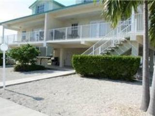 Back yard - Roland's Repose, 3 bedrooms and 3 baths, Unit 24B - Key Colony Beach - rentals