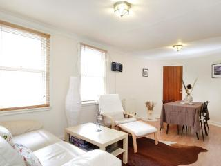 Canongate 1 bedroom apartment - Edinburgh & Lothians vacation rentals