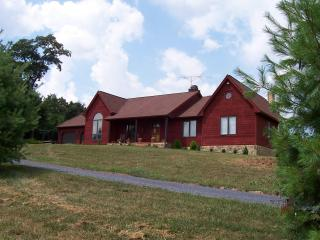 Reddish Ridge, private Villa on 45 Acres - Staunton vacation rentals