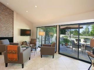 Stunning 2-Bed, 2-Bath a Short walk from El Paseo! - Palm Desert vacation rentals