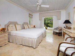 Plumbago, Emerald Beach #4 at Gibbes Beach, Barbados - Beachfront, Gated Community, Communal Pool - Gibbes vacation rentals