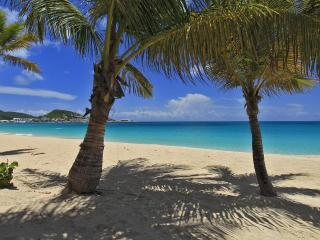 Coco Beach 6 at Simpson Bay, Saint Maarten - Beachfront, Communal Pool, Walk To Shopping And Restaurants - Terres Basses vacation rentals