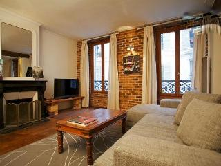 Lovely flat Paris Montmartre 4 sleeps - 18th Arrondissement Butte-Montmartre vacation rentals