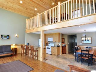 Waterfront Cottages, Wolfe Lake, Westport, ON - Westport vacation rentals