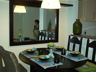 Elegant 1 Bedroom Condo In Joya Rockwell Makati - Makati vacation rentals