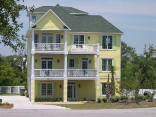 Pineapple Palace Exterior - Pineapple Palace - Emerald Isle - rentals