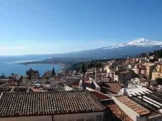 Sea view apartment in the heart of Taormina - Taormina vacation rentals