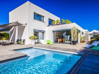 Have a blast in our Ultra-modern Villa with Pool! - Biarritz vacation rentals