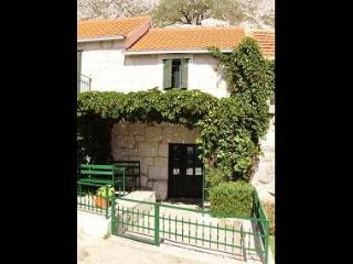 5146  SA(2) - Gata - Central Dalmatia vacation rentals