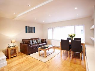 The West End 1 Bedroom 1 Bathroom Apartment - London vacation rentals
