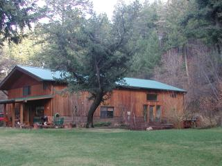 Lodge Get a Way. A short drive to the city center. - Missoula vacation rentals