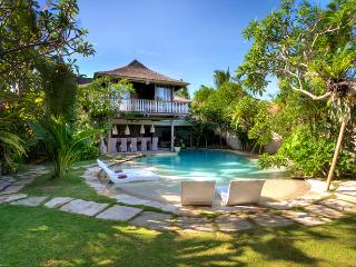Relaxed Luxury - 5 bedrooms... perfect location - Seminyak vacation rentals