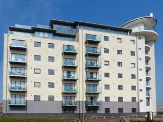 47 FALAISE, apartment with two bedrooms, open plan living area, and balcony overlooking the marina, in Newhaven Ref 14461 - East Sussex vacation rentals