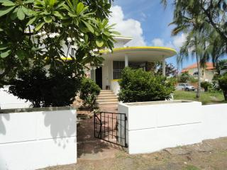 Lin's Oranjestad Villa by the Surfside Sea - Oranjestad vacation rentals