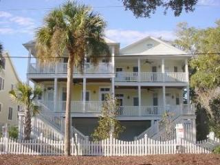 Carolina Dreamin' - Short Walk to Beach - Edisto Beach vacation rentals