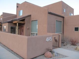 A Beautiful Unit- Pool/Hot Tub/WiFi/Garage/W&D - Moab vacation rentals