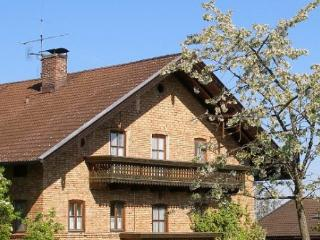 Vacation Apartment in Riedering - 624 sqft, comfortable, relaxing, warm (# 2587) - Riedering vacation rentals