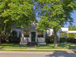 Westhampton Beach 5 BR Available after Sept.8   $625 night / 1 BR cottage $250 night - Saint Croix vacation rentals