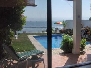 Oceanfront, 2 Bdrm Townhome, Private Pool, Wi-Fi ( near La Cruz de Huanacaxtle ) - Bucerias vacation rentals