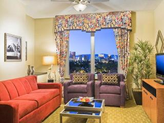 New art-deco inspired resort with year-round pool and free shuttle to the Vegas strip - Oceanside vacation rentals