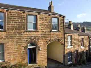 THE OLD POLICE HOUSE, family accommodation, with four bedrooms, two bathrooms, and a sitting room in Matlock Bath, Ref 9254 - Derbyshire vacation rentals