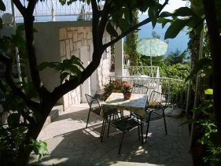 5178 A2(3) bungalov - Omis - Central Dalmatia vacation rentals