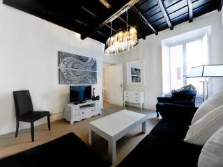 Luxury 3Bdrs 2Bths in the Heart of Rome (Audrey) - Lazio vacation rentals